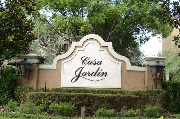 Casa jardin lemontree for Casa jardin dijual